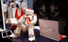 พัฒนาอย่างต่อเนื่อง!ซอฟต์แบงก์คิดค้นหุ่นตัวเล็กผู้ช่วยสอนงานวิจัย