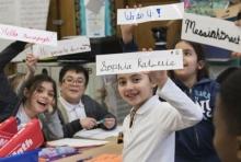 นักบำบัด เผย การเขียนด้วยลายมือ ช่วยให้เด็กที่มีความบกพร่องทางการเรียนรู้สามารถอ่านได้ดีขึ้น